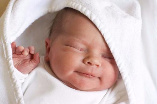 Закупорка слезного канала у новорожденных
